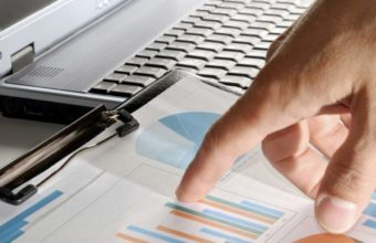 how non economic environment affects business decisions